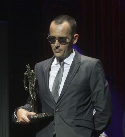 Risto Mejide recoge en El Festival de Televisión el premio otorgado a AFTERSHARE.TV por la campaña paraATRESMEDIA