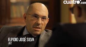 Elpidio José Silva y Rosa Rodero se sientan junto aRisto.